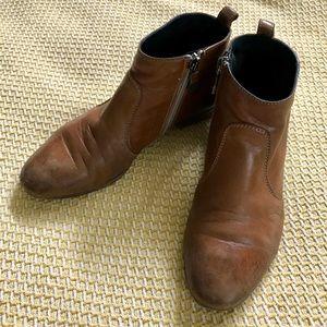 Alberto Fermani brown leather booties